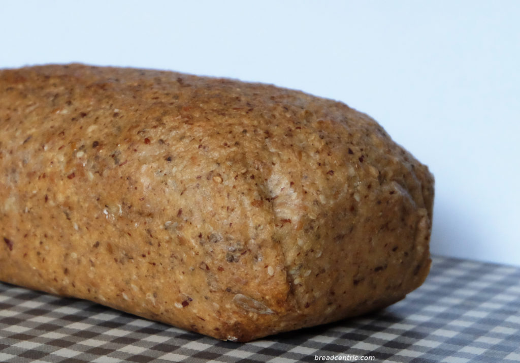 Gluten-free bread with sorghum in the levain